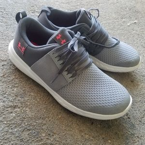 Under armour 5 youth sneakers
